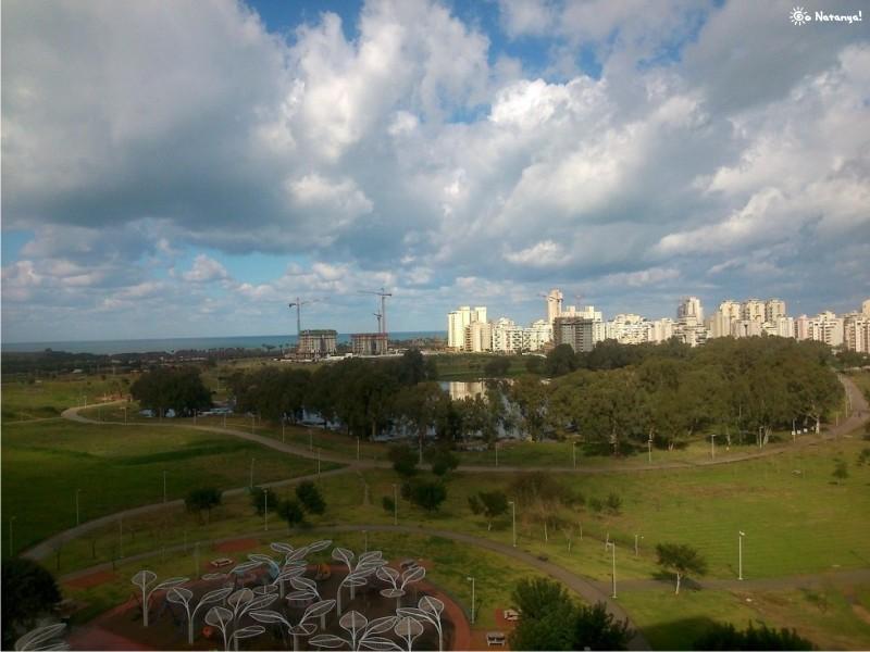 Вид на озеро с балкона рядом стоящего дома. Спасибо Ольге Мисевич за фото! ;)